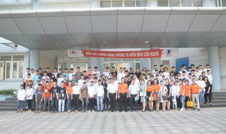Gần 300 học sinh THCS tham quan, trải nghiệm tại Trường THPT Thân Nhân Trung