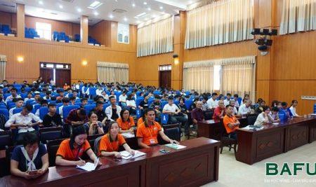 Hơn 200 học sinh lớp 10 hệ THPT và THPT chất lượng cao Trường THPT Thân Nhân Trung nhập học