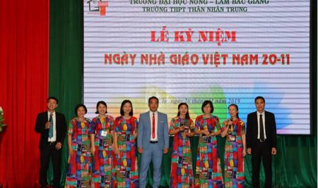 Trường THPT Thân Nhân Trung long trọng kỉ niệm ngày Nhà giáo Việt Nam 20/11