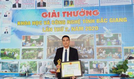 Tiến sĩ Diêm Đăng Huân nhận giải thưởng Khoa học và Công nghệ  tỉnh Bắc Giang lần thứ 2 năm 2020